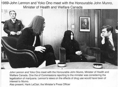 1969-john-munro-meets-john-lennon